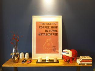 Foto 1 - Interior di Sta's Coffee & Bakery oleh @stelmaris
