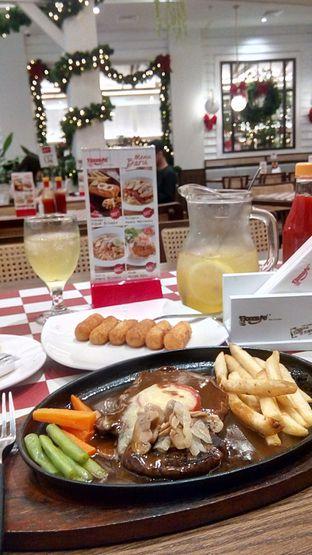 Foto - Makanan(Tendeloin Steak dan Kroket Kentang) di Boncafe oleh Nyonya Suka Dolan