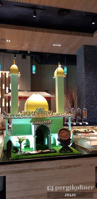 Foto 3 - Interior di Catappa Restaurant - Hotel Grand Mercure Kemayoran oleh @teddyzelig