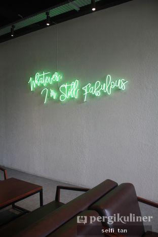 Foto 4 - Interior di Maketh Coffee & Eatery oleh Selfi Tan