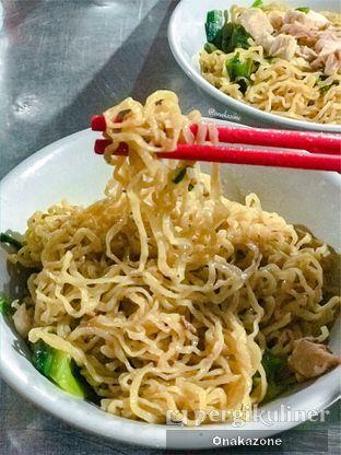 Foto 1 - Makanan di Bakmi Lung Kee oleh Onaka Zone