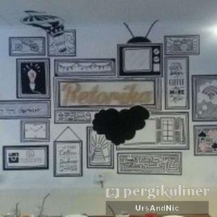 Foto 8 - Interior di Retorika Coffee oleh UrsAndNic