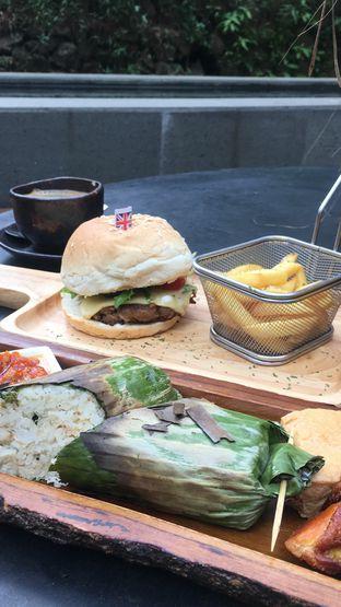 Foto 1 - Makanan di The Lake House - Pesona Alam Sedayu Hotel oleh RI 347 | Rihana & Ismail