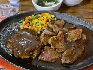 Foto review H&M Japan Steak oleh vio kal 1