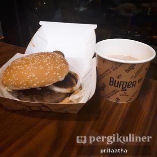 Foto 1 - Makanan(Rendang beef burger) di BurgerUP oleh Prita Hayuning Dias