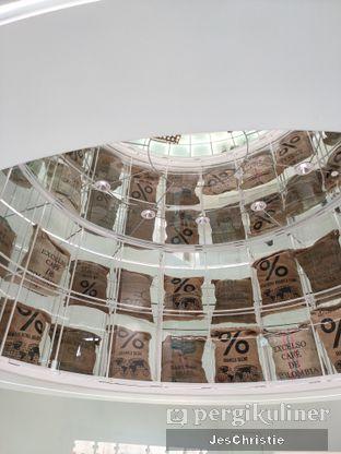 Foto 6 - Interior di %Arabica oleh JC Wen