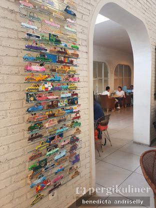 Foto 4 - Interior di Trafique Coffee oleh ig: @andriselly