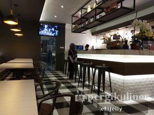 Foto 3 - Interior di Omaha Coffee & Eatery oleh efa yuliwati