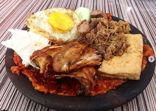 Foto - Makanan di Warung Bu Kris oleh Nyok Makan