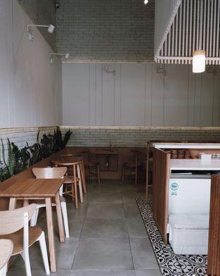 Foto 6 - Interior di Bukan Ruang oleh Della Ayu