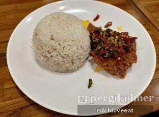 Foto 1 - Makanan di Sambal Khas Karmila oleh Mich Love Eat