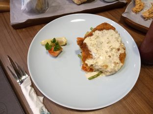 Foto 6 - Makanan(john Dori steak) di Mokka Coffee Cabana oleh Ratu Aghnia
