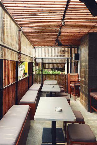 Foto 10 - Interior di Yabai Izakaya oleh Indra Mulia