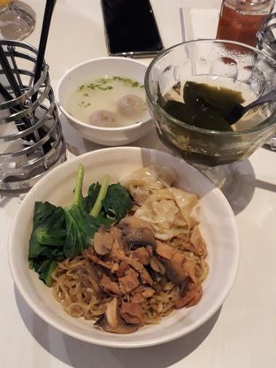 Foto 2 - Makanan di IWS Noodle & Cafe oleh Nia Sarwosri (IG @nia_albas)