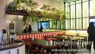 Foto 9 - Interior di Goods Burger oleh Jakartarandomeats