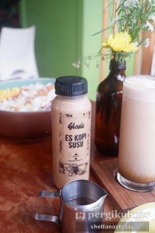 Foto 3 - Makanan(Es Kopi Susu) di Glosis oleh Shella Anastasia