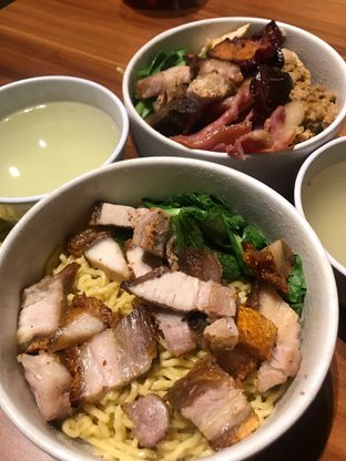 Foto review Ncek Legenda Noodle Bar oleh Irma  3