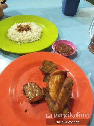 Foto 1 - Makanan di Nasi Uduk Bu Sum oleh Mich Love Eat
