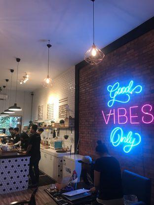 Foto 12 - Interior di Dimitree Coffee & Eatery oleh RI 347 | Rihana & Ismail