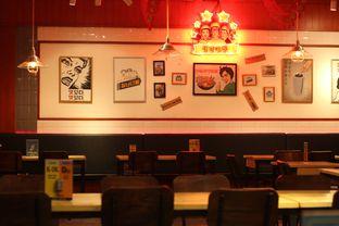 Foto 10 - Interior di Young Dabang oleh thehandsofcuisine