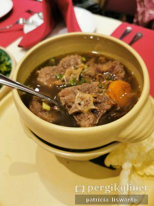 Foto 8 - Makanan(Slow cooked oxtail soup) di Eastern Opulence oleh Patsyy