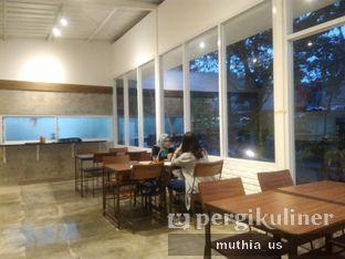 Foto 8 - Interior(Non-Smoking Area) di Righthands Coffee oleh Muthia US
