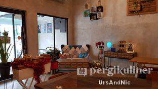 Foto 8 - Interior di Kona Koffie & Eatery oleh UrsAndNic