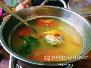 Foto 5 - Makanan(sup ikan ilahe Gorontalo) di Botanika oleh @supeririy