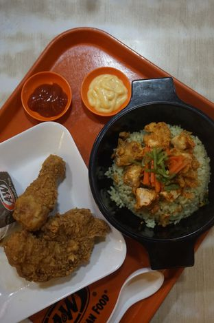 Foto 4 - Makanan di A&W oleh yudistira ishak abrar