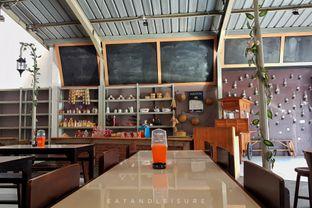 Foto 5 - Interior di Warung Ciendog oleh Eat and Leisure