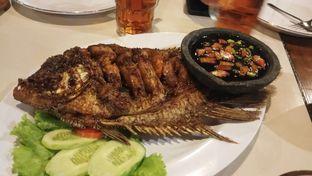 Foto 1 - Makanan(Gurame Bakar) di Waroeng Ngariung oleh Anggi  @makandimanaaa