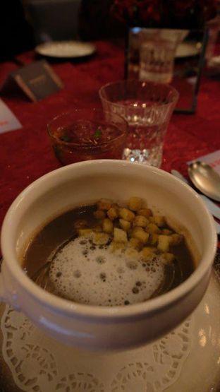Foto 10 - Makanan(Porcini mushroom soup) di Oso Ristorante Indonesia oleh YSfoodspottings