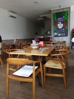 Foto 4 - Interior di Red Door Koffie House oleh Olivia