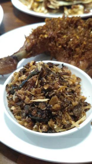 Foto 2 - Makanan(Sambal bawang goreng rahasia karmila) di Sambal Khas Karmila oleh Utami Godjali