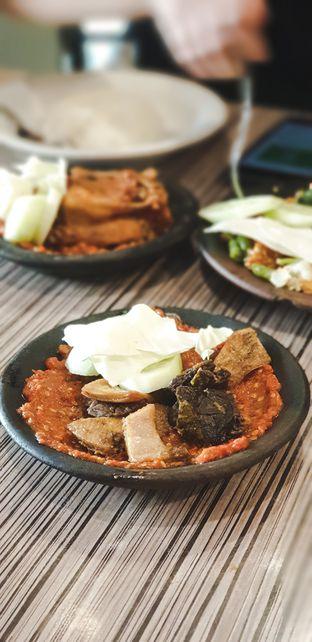 Foto - Makanan(Babat + paru penyet) di Warung Bu Kris oleh Elaine Josephine @elainejosephine