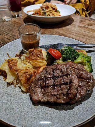 Foto 1 - Makanan di Ambrogio Patisserie oleh Masayu Nur Rosyidah