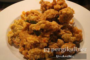 Foto 4 - Makanan(Udang sito telor asin) di Sulawesi@Kemang oleh UrsAndNic