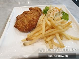 Foto - Makanan(Chicken Gordon Bleu) di Imperial Tables oleh Ivan Setiawan
