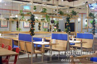 Foto 13 - Interior di Holy Smokes oleh Deasy Lim