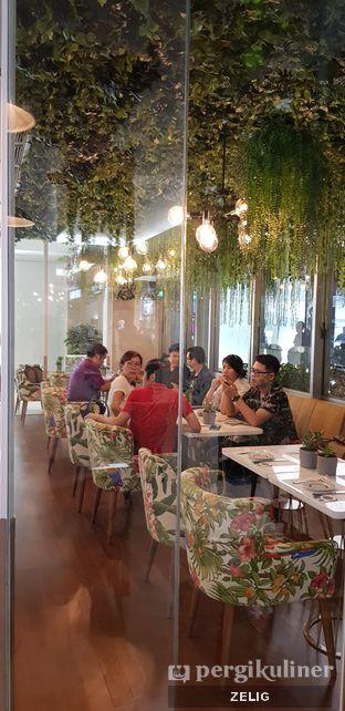 Foto 3 - Interior di Gram Cafe & Pancakes oleh @teddyzelig