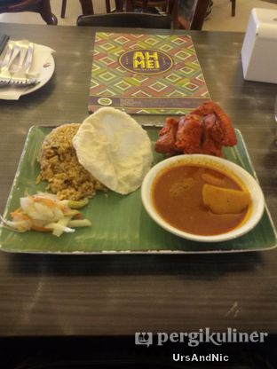 Foto 2 - Makanan(Nasi Briyani Fried chicken curry) di Ah Mei Cafe oleh UrsAndNic
