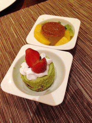 Foto 7 - Makanan di The Cafe - Hotel Mulia oleh Mitha Komala