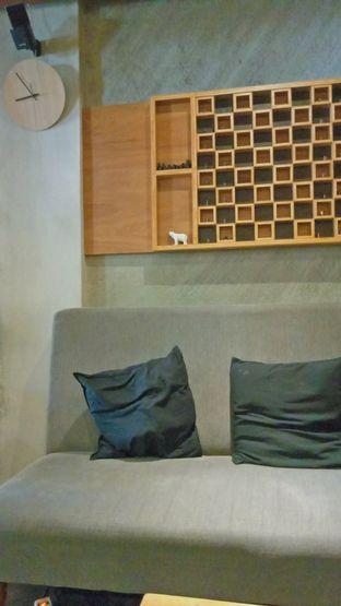 Foto 6 - Interior di Lemari Kopi oleh IG: biteorbye (Nisa & Nadya)