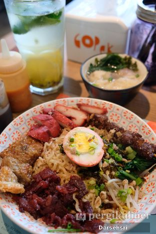 Foto 1 - Makanan di Gopek Restaurant oleh Darsehsri Handayani