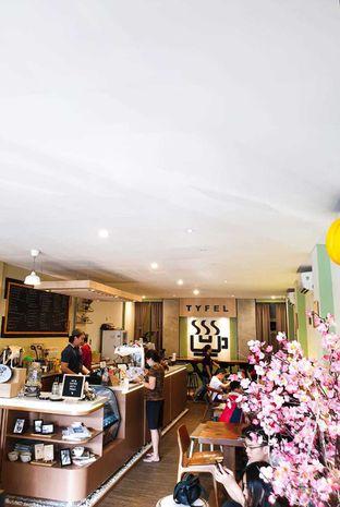 Foto 9 - Interior di TYFEL COFFEE oleh Duolaparr