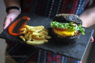 Foto review Dope Burger & Co. oleh Food Bender 1