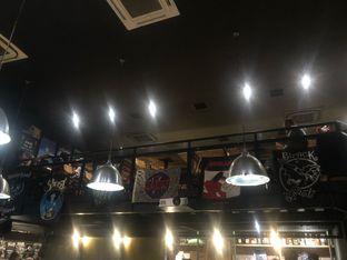 Foto 8 - Interior di Lawless Burgerbar oleh feedthecat
