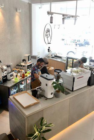Foto 11 - Interior di Oi Coffee & Eatery oleh Prido ZH