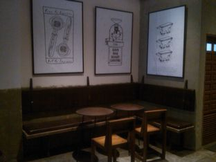 Foto 8 - Interior di Coffee Smith oleh Renodaneswara @caesarinodswr