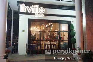 Foto 8 - Eksterior di Trvffle Bistro oleh Hungry Couplee